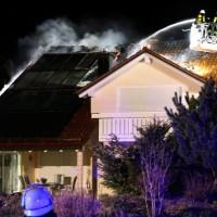 15-04-15_BY_Unterallgaeu_Ottobeuren_Brand_Dachstuhl_Feuerwehr_Poeppel_new-facts-eu0100