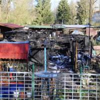 20-04-15_BY_Memmingen_Brand-Gartenlaube_Feuerwehr_Poeppel_new-facts-eu0005