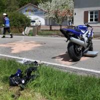 10.05.2015-Ostallgäu-Kaltental-Helmishofen-ST2035-Motorrad-19 jährige-Mauer-ohne Helm-lebensgefährlich-verletzt-Rettungswagen-Rettungshubschrauber-Notarzt-Murnau-Bringezu-Thorsten (17)