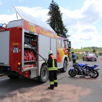 10.05.2015-Ostallgäu-Kaltental-Helmishofen-ST2035-Motorrad-19 jährige-Mauer-ohne Helm-lebensgefährlich-verletzt-Rettungswagen-Rettungshubschrauber-Notarzt-Murnau-Bringezu-Thorsten (26)
