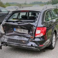 26.05.2015-Jengen-B12-Ostallgäu-Unfall-Gas und Bremse verwechselt-Verletzte-Krankentransportwagen-Rettungswagen-Bringezu-Polizei-Auffahrunfall (5)