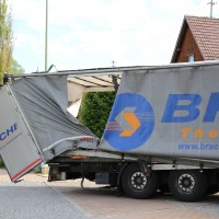 29.05.2015-Biessenhofen-Ostallgäu-LKW_Unterführung-Auflieger zerstört-Bringezu-new-facts.eu-Massiver Schaden (1)