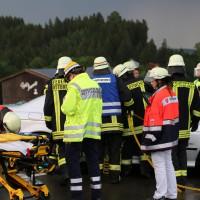 12-06-15_BY_Unterallgaeu_Ottobeuren_Guggenberg_Unfall_Feuerwehr_Poeppel_new-facts-eu0003
