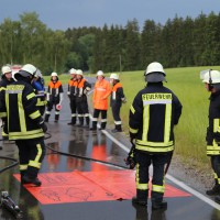12-06-15_BY_Unterallgaeu_Ottobeuren_Guggenberg_Unfall_Feuerwehr_Poeppel_new-facts-eu0021