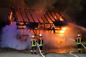 19-06-15_BY_Unterallgaeu_Lautrach_Brand_Stadel_Feuerwehr_Poeppel_new-facts-eu0011