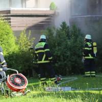 01-07-15_BY-Memmingen_Brand_Wohnung_Huehnerberg-Feuerwehr_Poeppel_new-facts-eu0011
