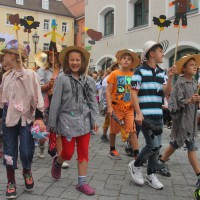 23-07-2015_Memminger-Kinderfest-2015_Umzug_Kuehnl_new-facts-eu0104