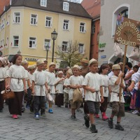 23-07-2015_Memminger-Kinderfest-2015_Umzug_Kuehnl_new-facts-eu0129