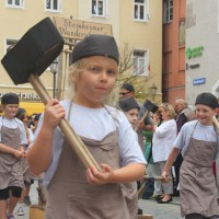 23-07-2015_Memminger-Kinderfest-2015_Umzug_Kuehnl_new-facts-eu0133
