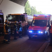 18-08-2015_A96_Kohlbergtunnel_Stetten_Erkheim_Lkw-Unfall_Vollsperrung_Feuerwehr_Poeppel_new-facts-eu0010
