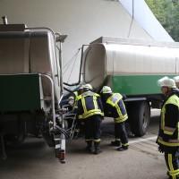 18-08-2015_A96_Kohlbergtunnel_Stetten_Erkheim_Lkw-Unfall_Vollsperrung_Feuerwehr_Poeppel_new-facts-eu0015