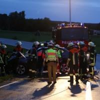 24-08-2015_BY-B300_Babenhausen_Unfall_Feuerwehr_Poeppel_new-facts-eu0001