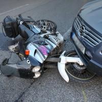 Unfall-Motorrad-Marktoberdorf-Geisenried-B472-schwer-verletzt-PKW-Rettungsdienst-Notarzt-Bringezu-new-facts (7)
