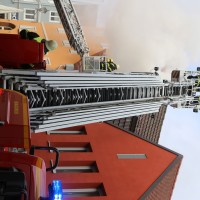 21-10-2015_Memmingen_Zimmerbrand_Theaterplatz_Feuerwehr_Poeppel_new-facts-eu004