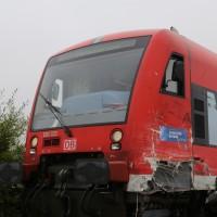 26-10-2015_Neu-Ulm_Illertissen_Jeddesheim_Bahnunfall_Lkw_Regionalbahn_Poeppel_new-facts-eu0021