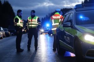 12-01-2016_A96_Weissensberg_Wangen_Unfall_toedlich_Polizei_Poeppel_new-facts-eu0046