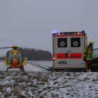 31-01-2016_Unterallgaeu_Woerishofen_Unfall_Pkw-Baum_Feuerwehr_Poeppel_new-facts-eu_mm-zeitung-online_010