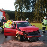 22-02-2016_B300_Unterallgaeu_Babenhausen_Unfall_Feuerwehr_Poeppel_new-facts-eu_mm-zeitung-online005