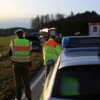 22-02-2016_B300_Unterallgaeu_Babenhausen_Unfall_Feuerwehr_Poeppel_new-facts-eu_mm-zeitung-online025