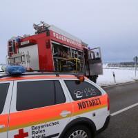 25-02-2016_BY_unterallgaeu_Lachen_Unfall_Feuerwehr_Poeppel_new-facts-eu_mm-zeitung-online022