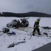 25-02-2016_BY_unterallgaeu_Lachen_Unfall_Feuerwehr_Poeppel_new-facts-eu_mm-zeitung-online027