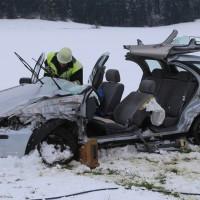 25-02-2016_BY_unterallgaeu_Lachen_Unfall_Feuerwehr_Poeppel_new-facts-eu_mm-zeitung-online028