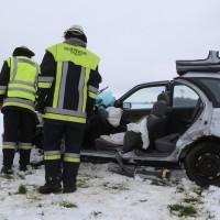 25-02-2016_BY_unterallgaeu_Lachen_Unfall_Feuerwehr_Poeppel_new-facts-eu_mm-zeitung-online039