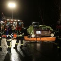 03-03-2016_A96_Sigmarszell_toedlicher-Unfall_Feuerwehr_Poeppel_new-facts-eu052