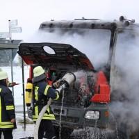 16-03-2016_Memmingen_Volkratshofen_Lkw-Brand_Feuerwehr_Poeppel_new-facts-eu003