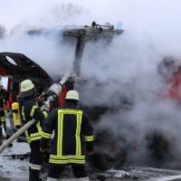 16-03-2016_Memmingen_Volkratshofen_Lkw-Brand_Feuerwehr_Poeppel_new-facts-eu005