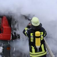 16-03-2016_Memmingen_Volkratshofen_Lkw-Brand_Feuerwehr_Poeppel_new-facts-eu016