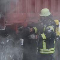 16-03-2016_Memmingen_Volkratshofen_Lkw-Brand_Feuerwehr_Poeppel_new-facts-eu024