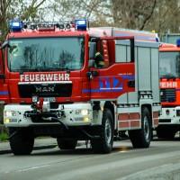 02-04-2016_Ravensburg_Hinstobel_Guelle-Lkw_Unfall_Feuerwehr_Bergung20160402_0019