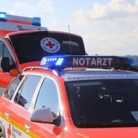 06-04-2016_A96_Holzguenz_Lkw_Pkw_schwerer-Unfall_Feuerwehr_Poeppel20160406_0019
