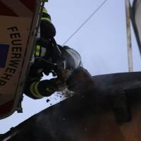 19-04-2016_Biberach_Gutenzell_Brand_Silo_Saegemehl_Feuerwehr_Poeppel20160419_0035