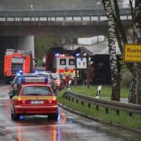 26-04-2016_Unterallgäu_Buxheim_Autobahnbruecke_Kipper_Unfall_Feuerwehr_Poeppel_0014