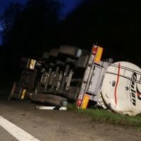 03-05-2016_A96-Stetten_Erkheim_Lkw-Unfall_Feuerwehr_Poeppel_0023