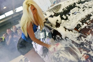 B3: Sonax Car Wash