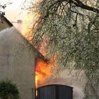 11-05-2016_Memmingen_Hart_Brand_Bauernhof_Feuerwehr_Poeppel_0023