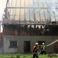 11-05-2016_Memmingen_Hart_Brand_Bauernhof_Feuerwehr_Poeppel_0026