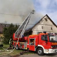 11-05-2016_Memmingen_Hart_Brand_Bauernhof_Feuerwehr_Poeppel_0065