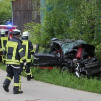 12-05-2016_Biberach_Berkheim_Erolzheim_Unfall_Feuerwehr_Poeppel_0048