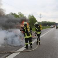 14-05-2016_A7_Berkheim_Dettingen_Pkw-Brand_Feuerwehr_Poeppel_0018