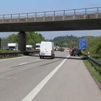 25-05-2016_A96_Aichstetten_Aitrach_Unfall_Lkw_Pkw_Polizei_Poeppel_0025