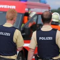 03-07-2016_Unterallgaeu_Tafertshofen_Pkw_Bach_Wasserwacht_BRK_Feuerwehr_Poeppel_0017