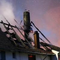 05-07-2016_Unterallgaeu_Ottobeuren_Buehl_Brand_Bauernhof_Feuerwehr_Poeppel_0005