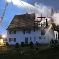 05-07-2016_Unterallgaeu_Ottobeuren_Buehl_Brand_Bauernhof_Feuerwehr_Poeppel_0037