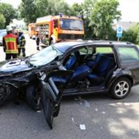 28-07-2016_B300_Heimertingen_Unfall_Lkw_Pkw_Schwerverletzt_Feuerwehr_Poeppel_0032
