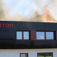 08-08-2016_Ravensburg_Aichstetten_Brand_Buero-Lager_Feuerwehr Poeppel_0013