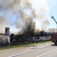 08-08-2016_Ravensburg_Aichstetten_Brand_Buero-Lager_Feuerwehr Poeppel_0041